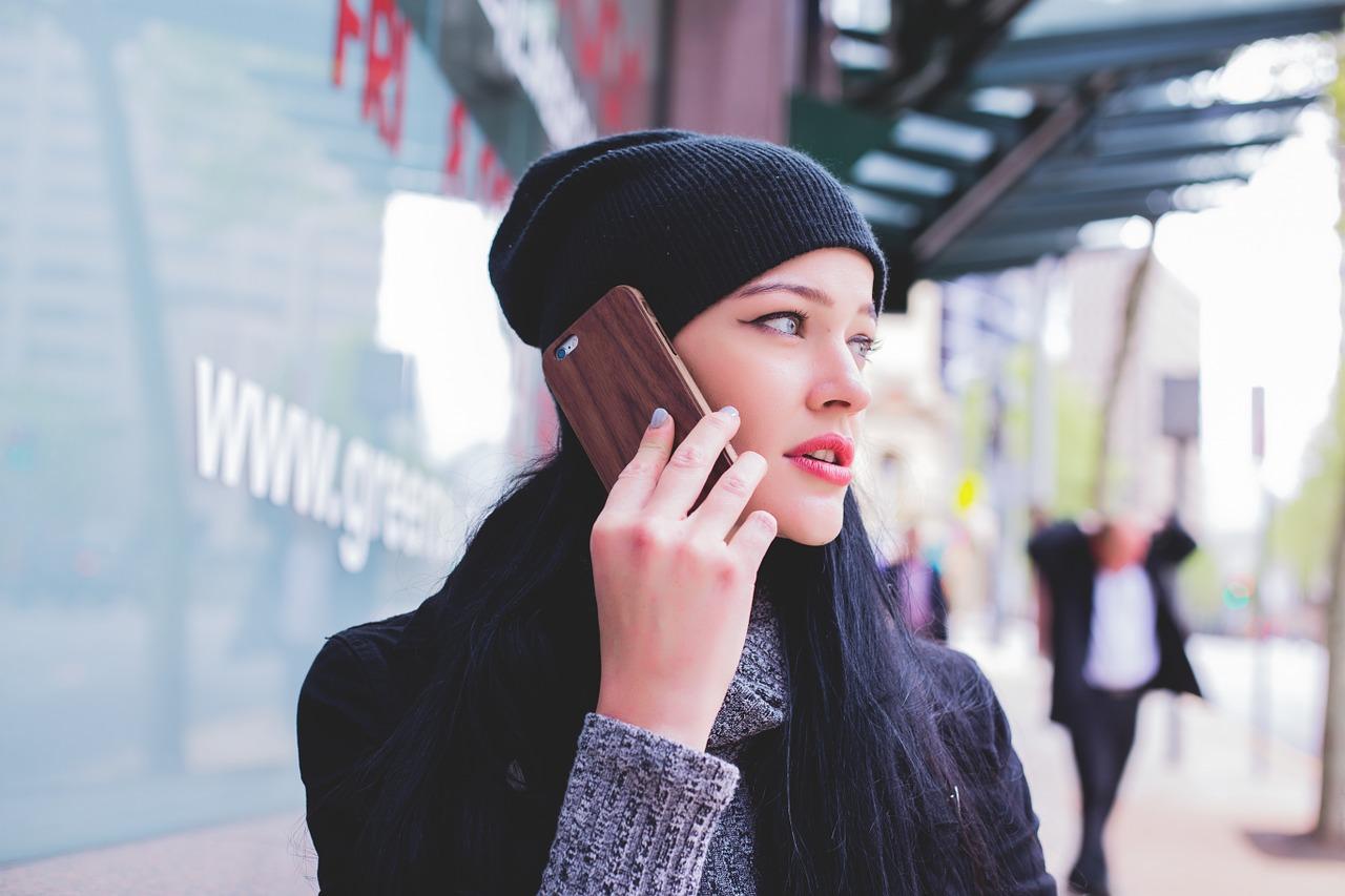 Girl Phone Talking On The Phone  - Free-Photos / Pixabay