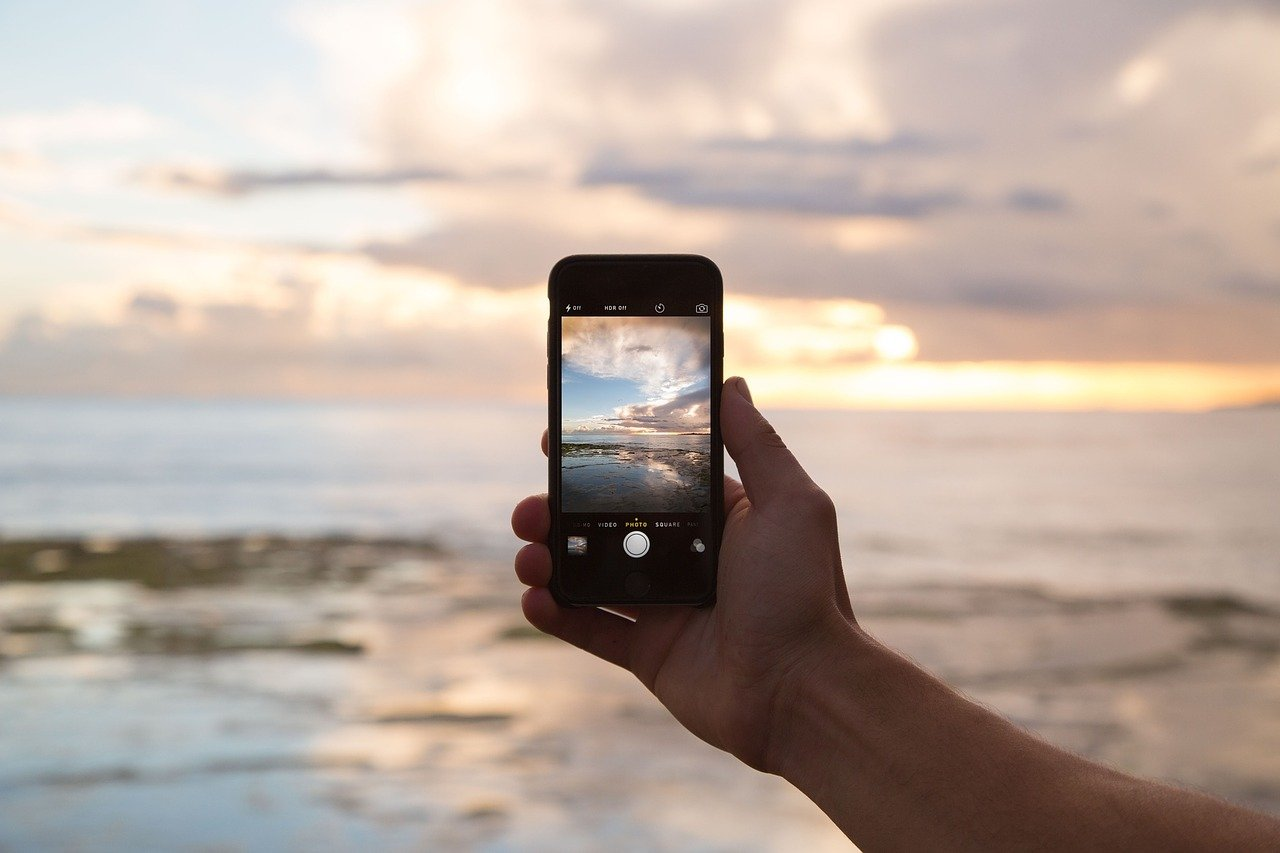 Phone Cell Cell Phone Cellphone  - Free-Photos / Pixabay