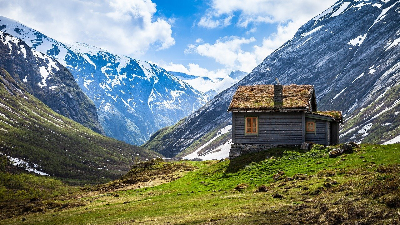 Rustic Cabin Mountains Landscape  - Free-Photos / Pixabay